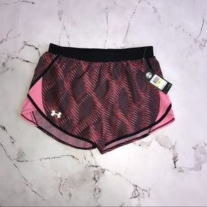 NWT Under Armour Shorts with Liner Heatgear Size Medium Pink, Red and Black